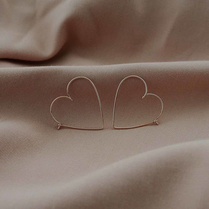 Studio Emoi - Earrings - Medium heart earrings