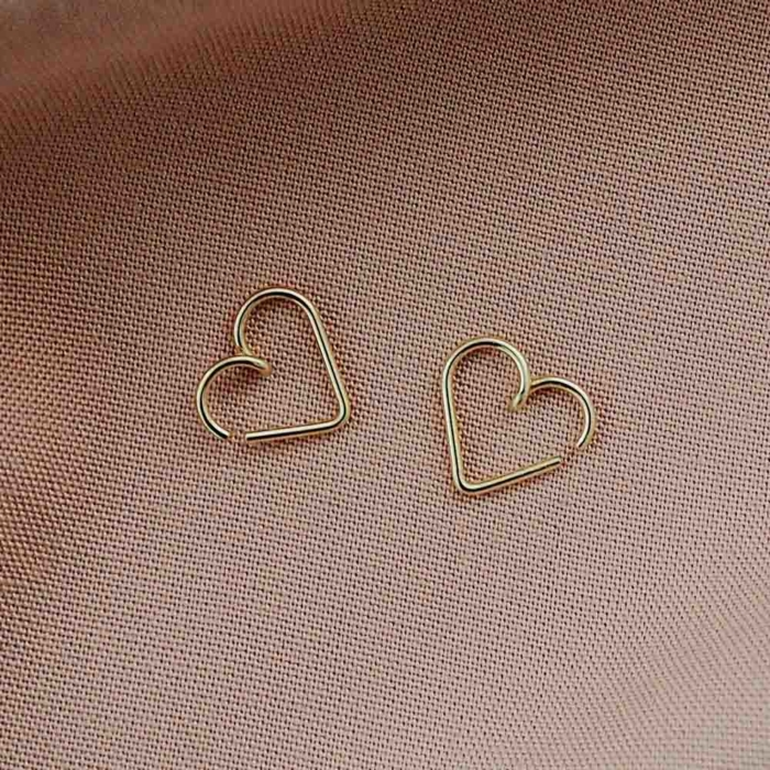 Studio Emoi - Earrings - Mini heart earrings