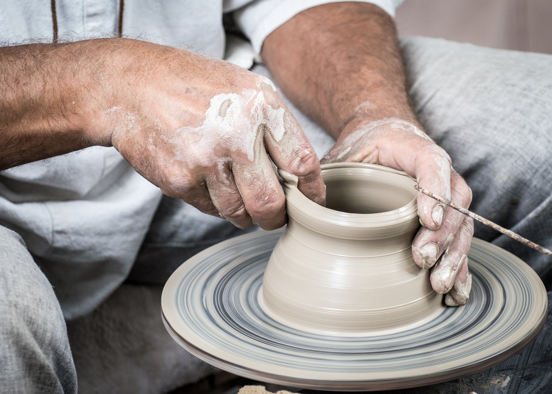 pottery-center-what-are-the-most-unique-christmas-gift-ideas-for-her-in-2019-studio-emoi